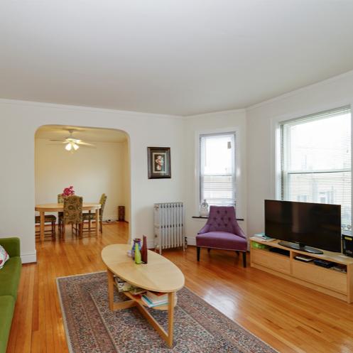 1322 Brummel Living Room